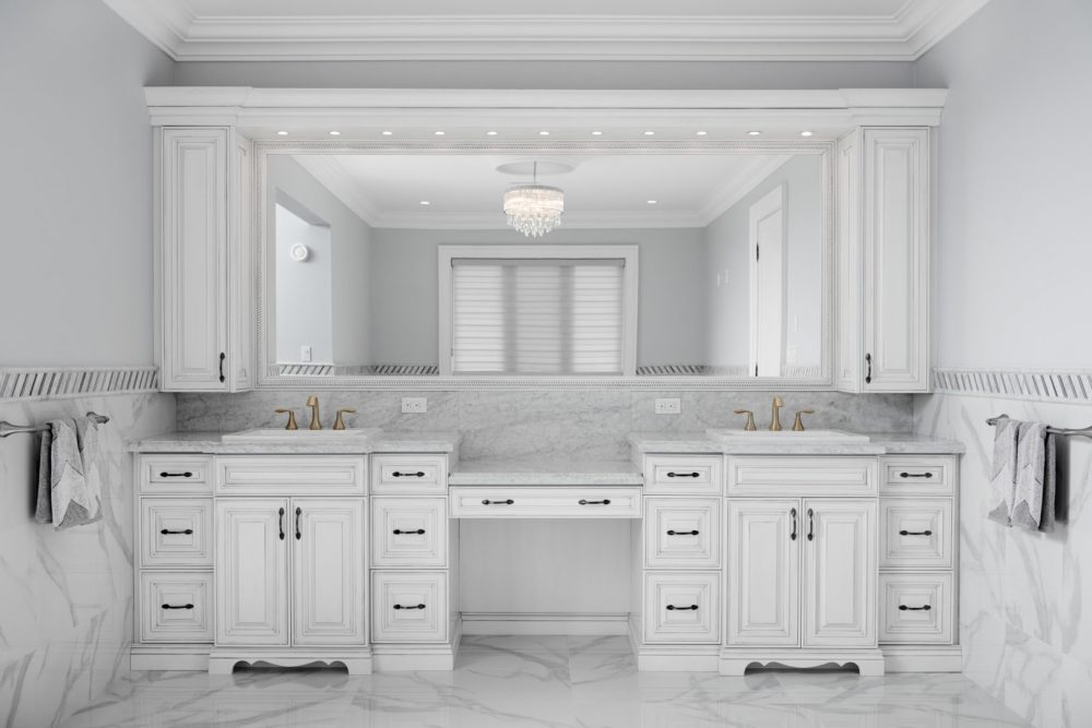 Architecture | Interior Photography of a Master Bathroom in Richmond Hill, Ontario Product by Barzotti Woodworking Inc. Photography by Brandon Marsh Photo